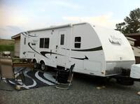 2011 TRAVEL TRAILER RENTAL RV FOR RENT 28ft