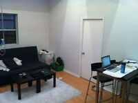 *DISCOUNTED PRICE* 1 ROOM FOR RENT - 4 1/2 DOWNTOWN MONTREAL