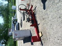 Three point hitch hydraulic wood splitter