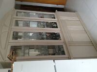 Wall Unit / Kitchen table good condition / 6 Free Chairs