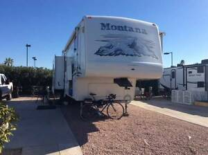 2005 Montana 3295RK 5th Wheel