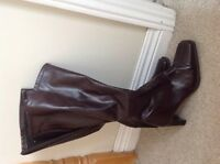 Brown tall boots size 6