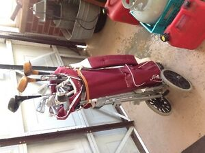 Titleist golf bag with cover and Campbell clubs with push cart Belleville Belleville Area image 3