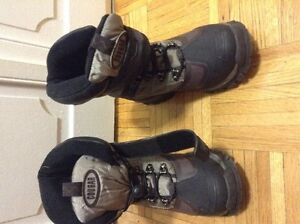 Winter boots COUGAR- Size 8M