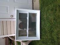 Fenêtre et ou porte d'entrée en acier à vendre