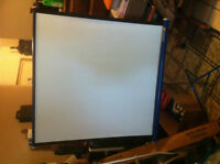 DA-Lite Flyer Projector Screen