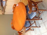Roxton Maple table & Chairs
