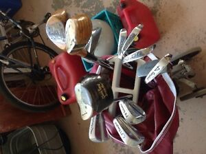 Titleist golf bag with cover and Campbell clubs with push cart Belleville Belleville Area image 1