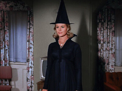Bewitched UNSIGNED photograph - L4419 - Elizabeth Montgomery - NEW IMAGE!!!