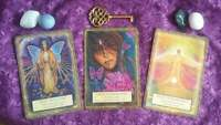 Card Readings with Seer Isla West