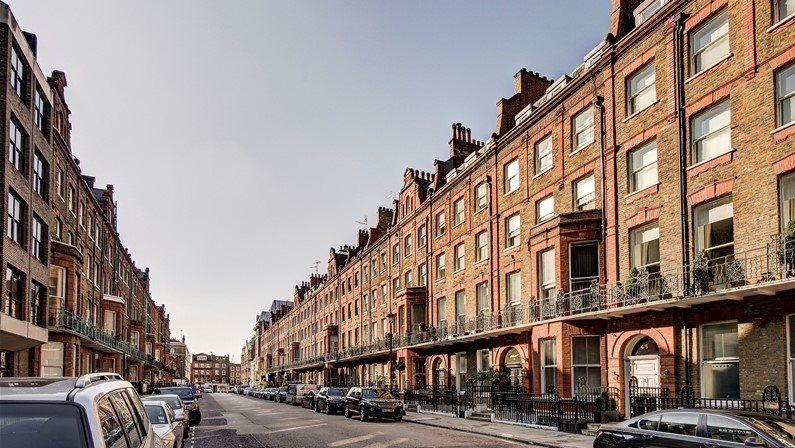 1 bedroom flat in Cedar House, Baker Street