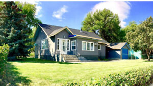 Beautiful Family Home in Bow Island, AB - Relocating, MUST SELL!