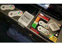 Super Nintendo SNES Mini - 21 Games - 2 Pads - Boxed