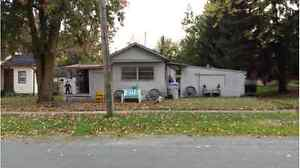 Lot for sale including mobile home and shed. $65,000 Kitchener / Waterloo Kitchener Area image 2