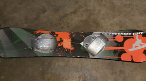 freeridge 130 snowboard asking $20.00 519-502-1370