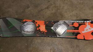 freeridge 130 snowboard asking $20.00 519-502-1370