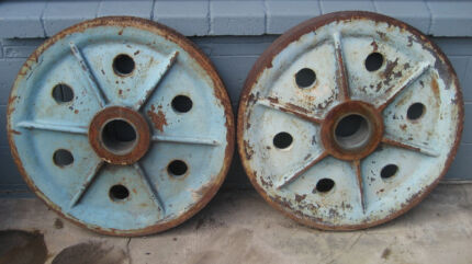 Pulley Wheels & Connection Pin - Cast Iron