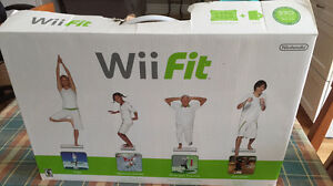 Nintendo Wii fit & Balance board . Complete Set  Working 100%