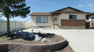 1200sqft Basement Suite of Home, 2-Bdrm+Den, Avail Now