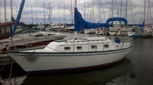 Hunter 27 Sloop (inc free dockage). $11,900
