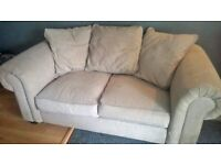 Nice Cream 2 Seater Sofa With Scatter Cushions