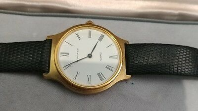 VINTAGE LONGINES QUARTZ MEN'S WATCH GOLD PLATED W/ ORIGINAL CASE