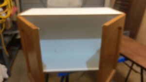 WOOD CABINET GOOD CONDITION