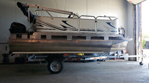 2017 Venture PONTOON TRAILER + Takes Up To 16' Pontoon Boat !