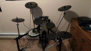 Drum Roland TD-4K + Pédale + 4e Cymbale