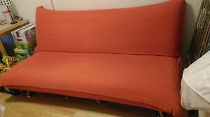 Structube futon (organe)