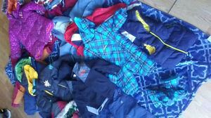 18 winter coats. 3 snow pants. Lot $30