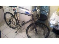 giant 28 .5 inch wheel town mountain bike