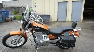 SUZUKI BOULEVARD S40 WITH ONLY 2342 KMS!!
