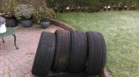 Set of 4 Dunlop winter sport tyres