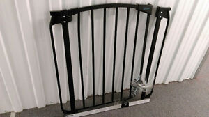 Baby Gate (Dreambaby)-Excellent condition!