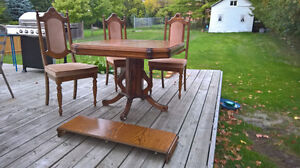 OAK TABLE WITH 5 CHAIRS Peterborough Peterborough Area image 1