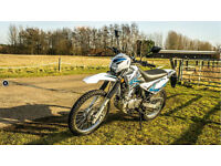 SINNIS Blade 125cc 125 Trail (Enduro) 2014MY 125. Motocross. Commuter. Retro.