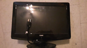"2 HP desktop monitors and 1 small 15"" tv"