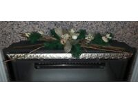 Christmas Centre Piece Table Mantle Piece Green & Gold