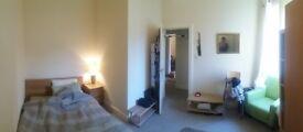 1 bedroom, £550, Top floor flat. Viewings-14th January.