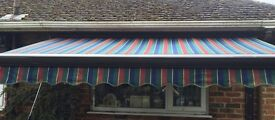 TOP QUALITY FULL CASSETTE AWNING 3 METRES EX-DISPLAY IN EXCELLENT CONDITION