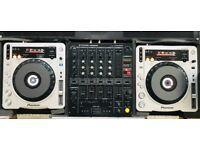 Pioneer CDJ800 mk2 turntables inc. Pioneer Mixer and EXTRAs