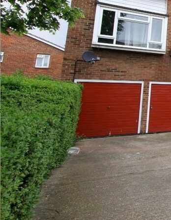 SECURE GARAGE available for storage | Thamesmead, London (SE28)