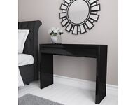Black Gloss Dressing Table with Triple Mirror