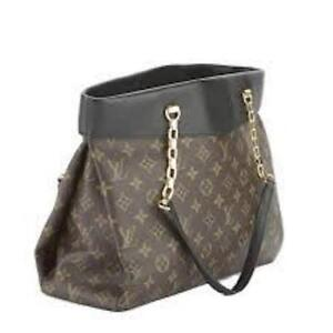 Like Brand New! Louis Vuitton hard to find, handbag, authentic