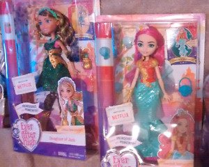 Lot 2 rare ever after high doll