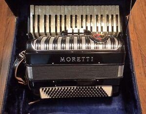 Moretti Accordian