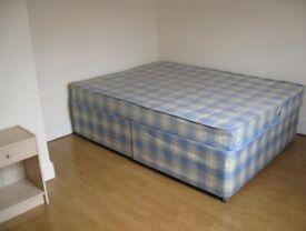 2 bedroom flat on the third floor on Hammersmith road, W14, £275