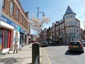 Spacious Stationary Shop Available Located Only 5 Min Walk to South Woodford Stn *TO LET*