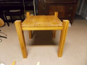2 matching pine end tables